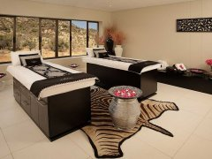 Spa-couples-room-pink.jpg