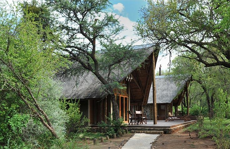Black_Rhino_Entrance-to-Lodge.jpg