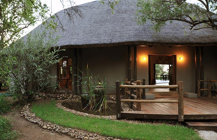 Black_Rhino_Exterior-of-Lodge.jpg